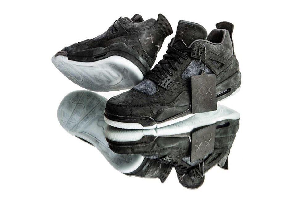 efb05e231de321 KAWS x Air Jordan 4 Black