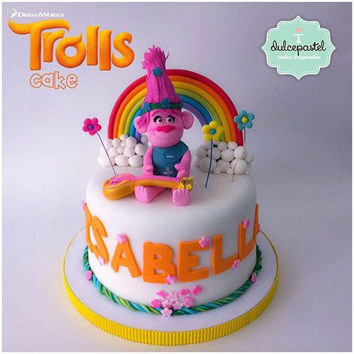 Torta Trolls en Medellín y Envigado por Dulcepastel.com - Torta Poppy trolls Medellín #tortasmedellin #tortaspersonalizadas #tortastematicas #cupcakesmedellin #tortasartisticas #tortasporencargo #tortasenvigado #reposteriamedellin #reposteriaenvigado #redvelvet #redvelvetcake