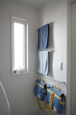 洗面室 タオル掛けはいくつあっても困らない いえ もの ことびより Powered By ライブドアブログ 洗面 タオル タオル棚