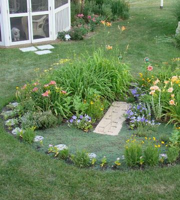 Make A Sundial Garden. Great Idea