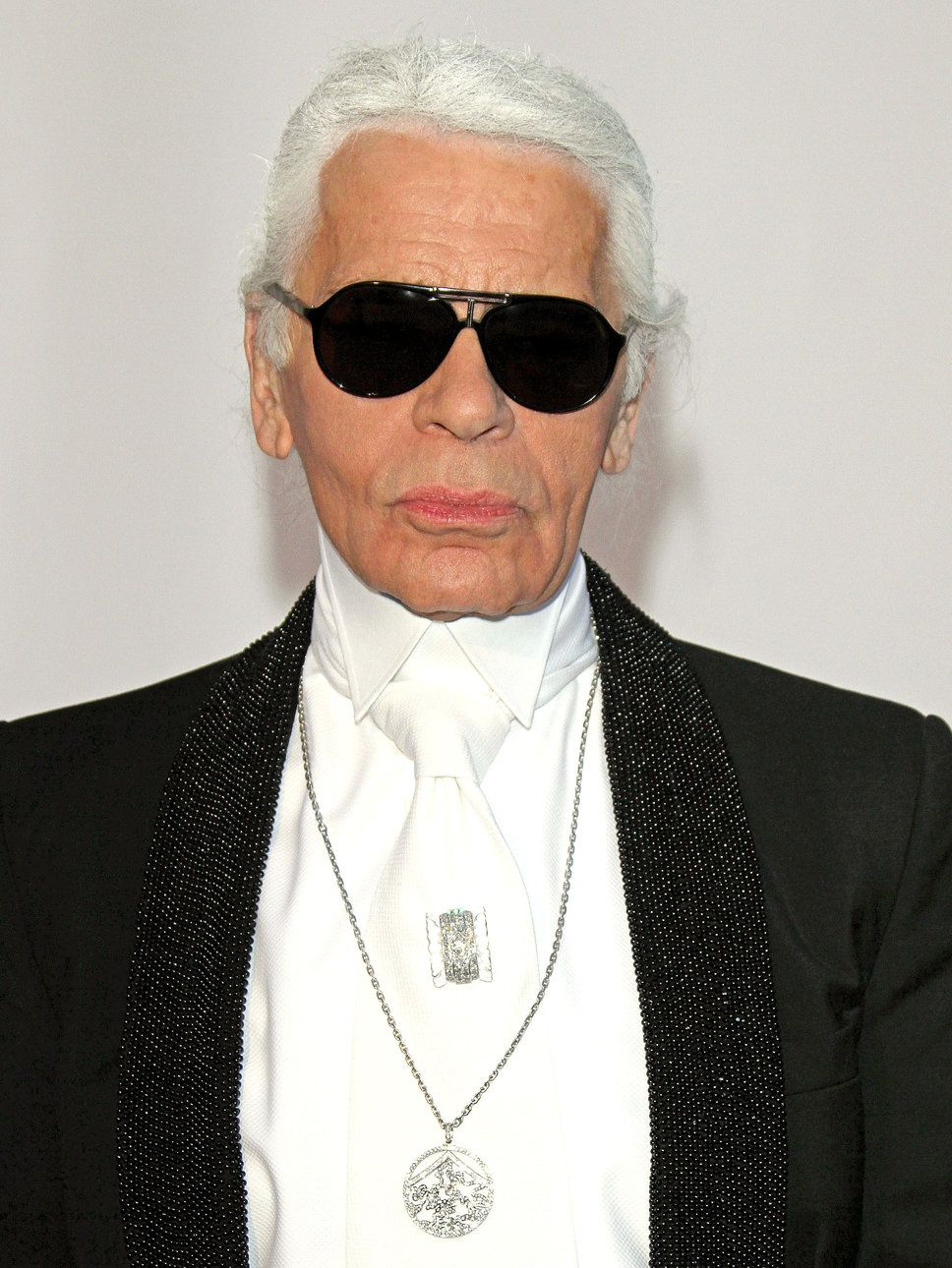 Karl Lagerfeld (born Karl Otto Lagerfeldt on 9/10/1933) is a. Famous  DesignerUx/ui ...