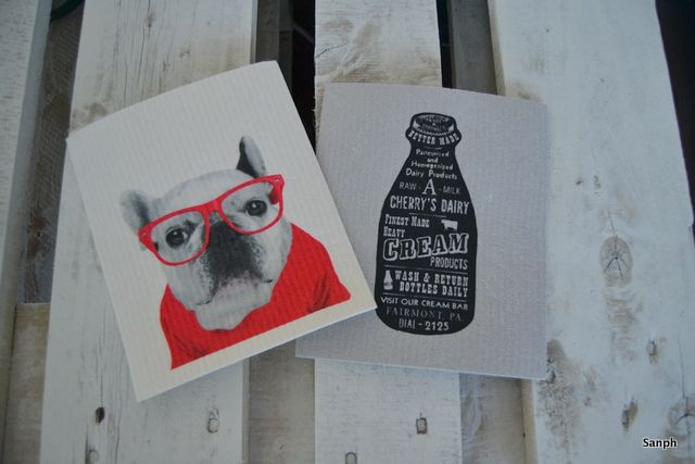 Funny and good looking dishcloths, french bulldog and bottle.