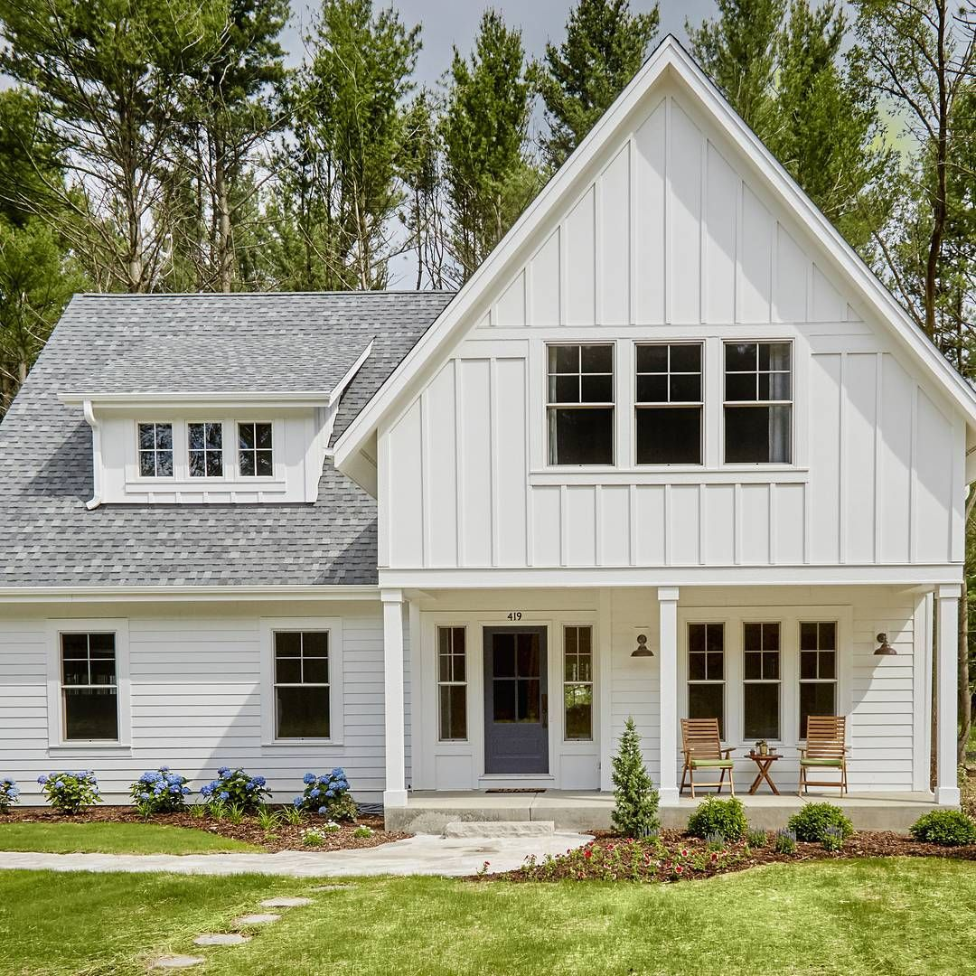 2 294 Likes 12 Comments Home Bunch Homebunch On Instagram Modernfarmhouse Siding Is J Modern Farmhouse Plans Modern Farmhouse Exterior House Exterior