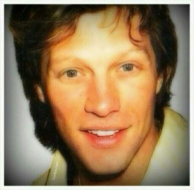 Jon Bon Jovi - Ooohhh those eyes, those lips, that face; this man I love!