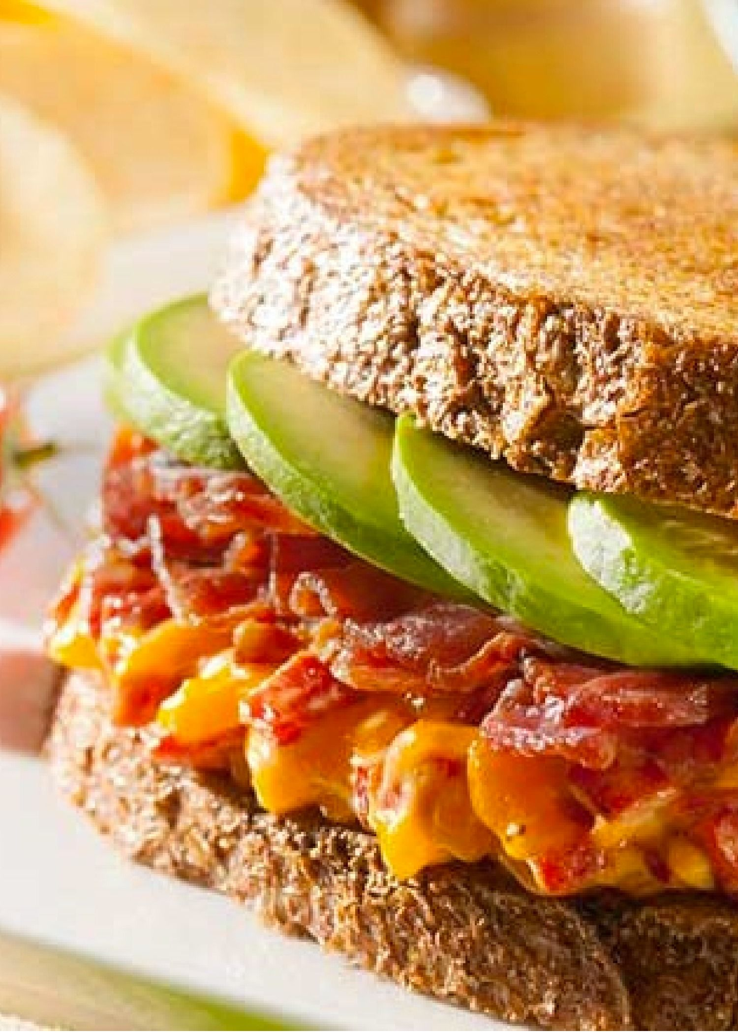 Make your lunch sizzle with this mouthwatering Grilled Pimento Cheese w/ Avocado and Bacon Sandwich! PIN and SAVE for later!