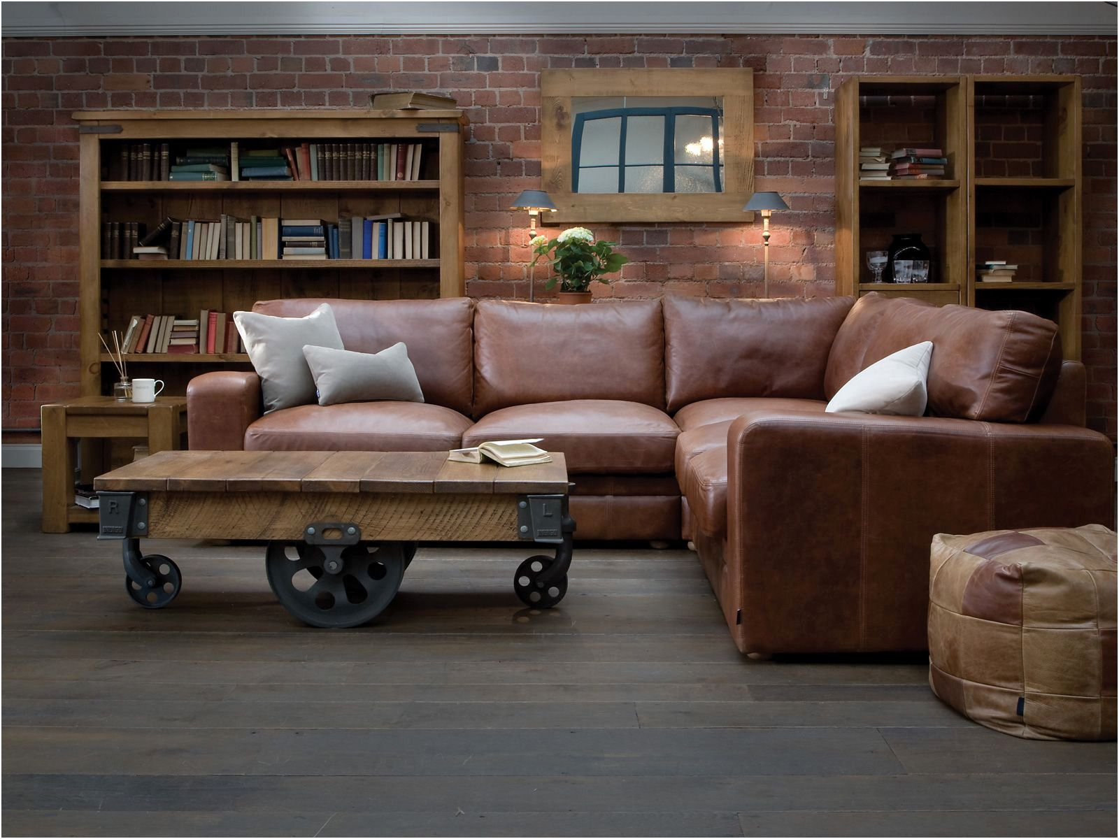 Exklusiv Antik Leder Couch | Leather corner sofa, Leather sofa, Brown leather sofa