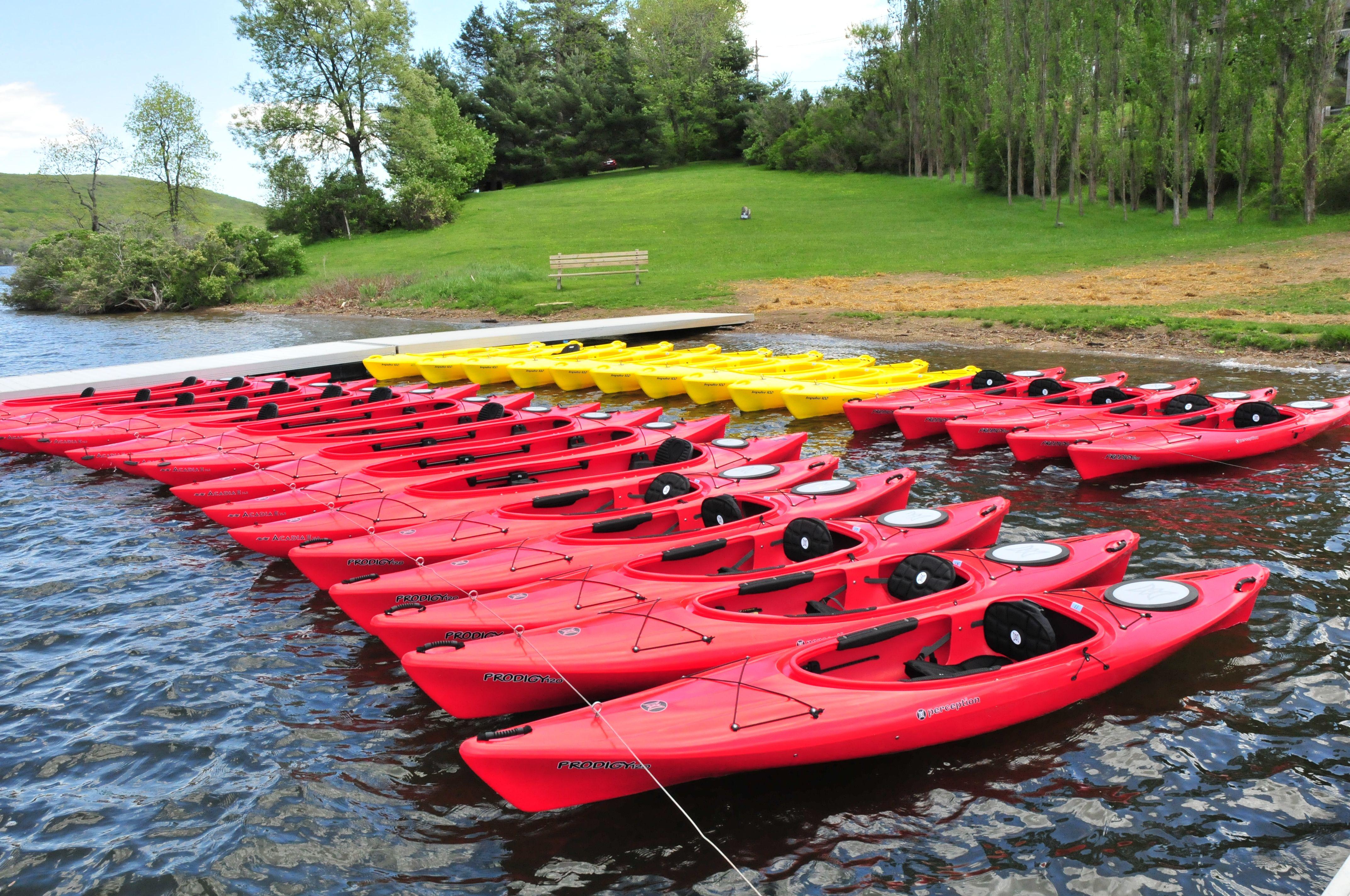 Deep Creek Lake Maryland Vacation Rentals Deep Creek Lakes Property Services Deep Creek Lake Deep Creek Lake Maryland Kayaking