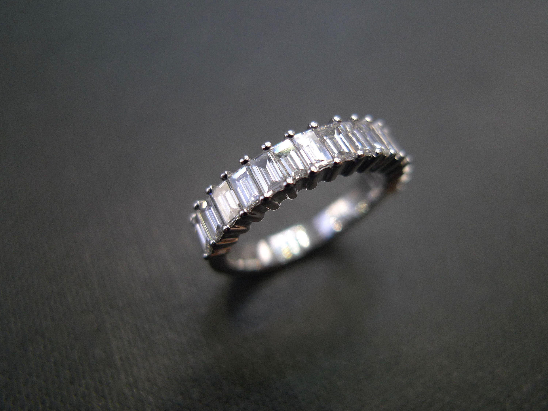 0.15ct Baguette /& Round Diamonds in 14K White Gold Skinny Shank Wedding Band Ring