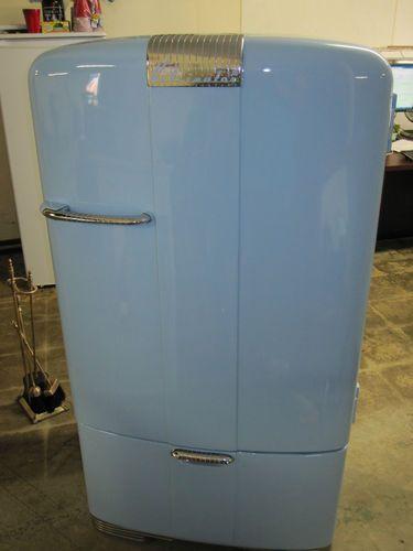 Vintage Working Baby Blue 1940 S Kelvinator Refrigerator Restored Original Parts Ebay Kelvinator Refrigerator Beverage Refrigerator Refrigerator