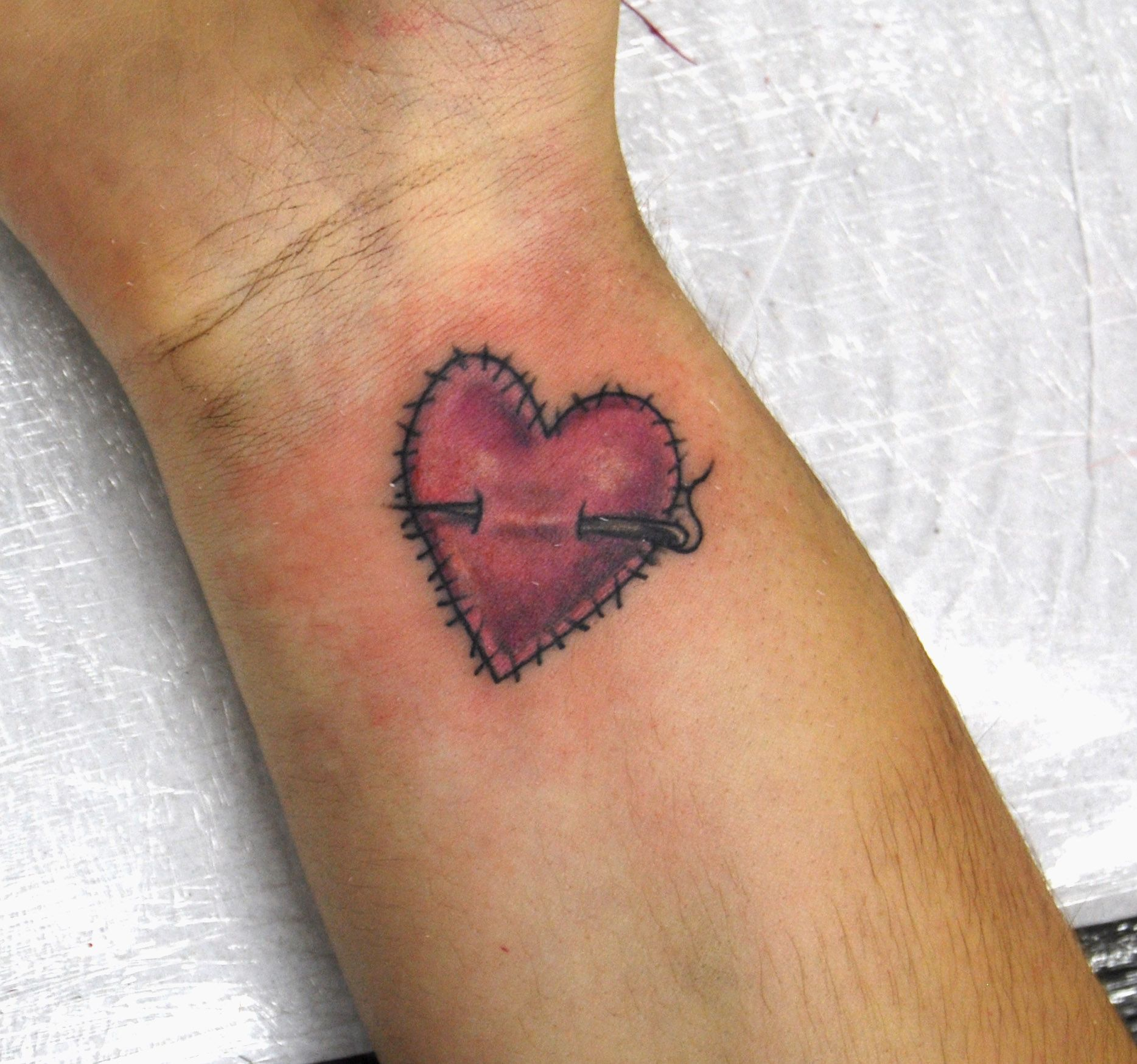Love Heart Symbol With Hands Places To Visit Pinterest Tatt