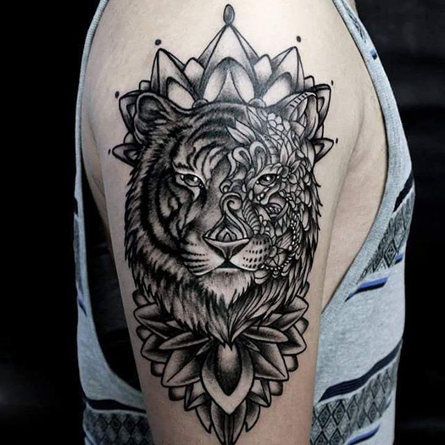 Mandala tiger tattoos pinterest tatouages tatouages de loup et id e tatouage - Tatouage loup mandala ...