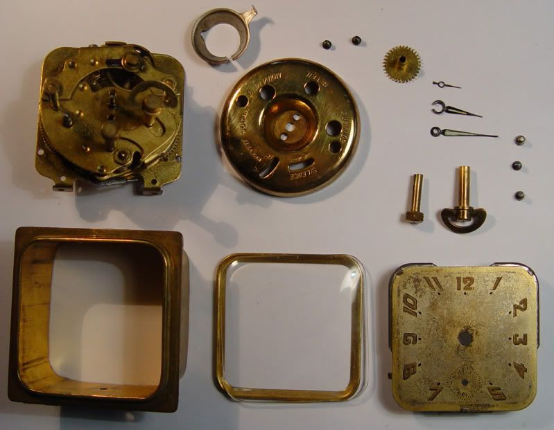 Mecanismo de un reloj despertador R226.