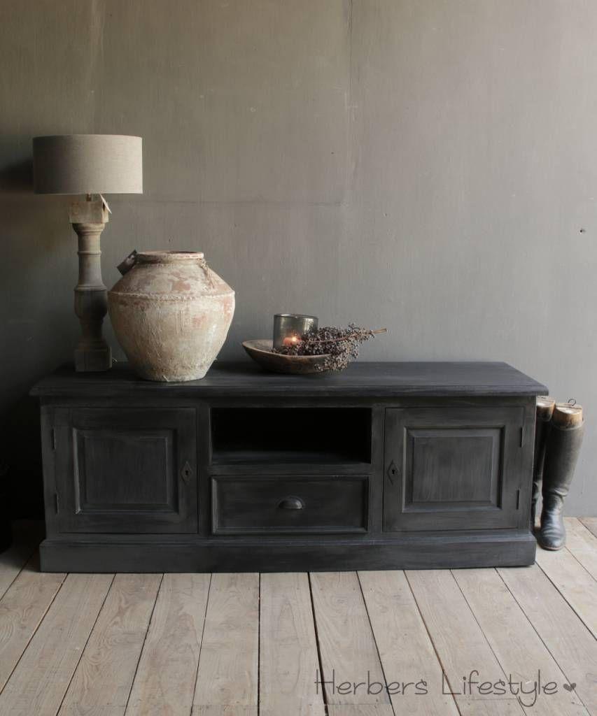 Laag Dressoir Zwart.Laag Mat Zwart Tv Dressoir Kast Woon En Styling Ideeen Furniture
