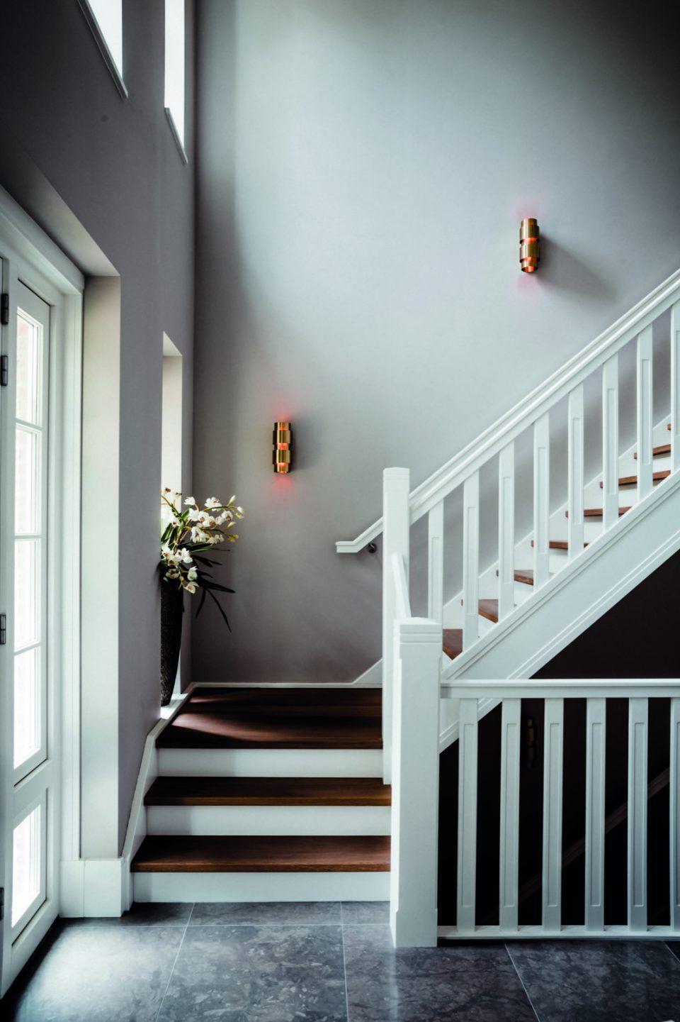 Hal met luxe trappen rietgedekte villa blaricum hal for Inspiratie trap