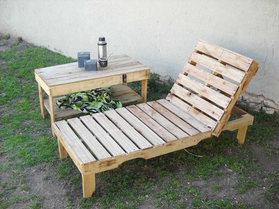 Sedie Pallet ~ Pallet poolside sitting chair lounger awesome diy pallet