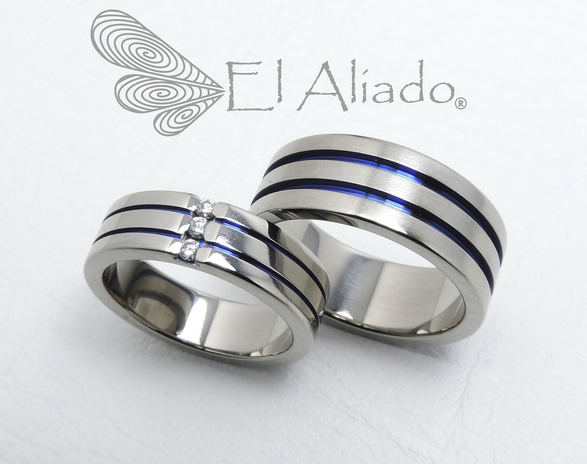 It is just a graphic of 32. Argollas de matrimonio en titanio, doble canal y diamantes