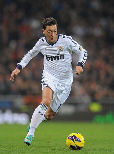 Mesut Ozil Photos Photos Real Madrid Cf V Real Sociedad De Futbol La Liga In 2020 Real Madrid Madrid Estadio Santiago Bernabeu