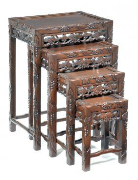 Merveilleux Set Of Chinese Stacking Tables (4)