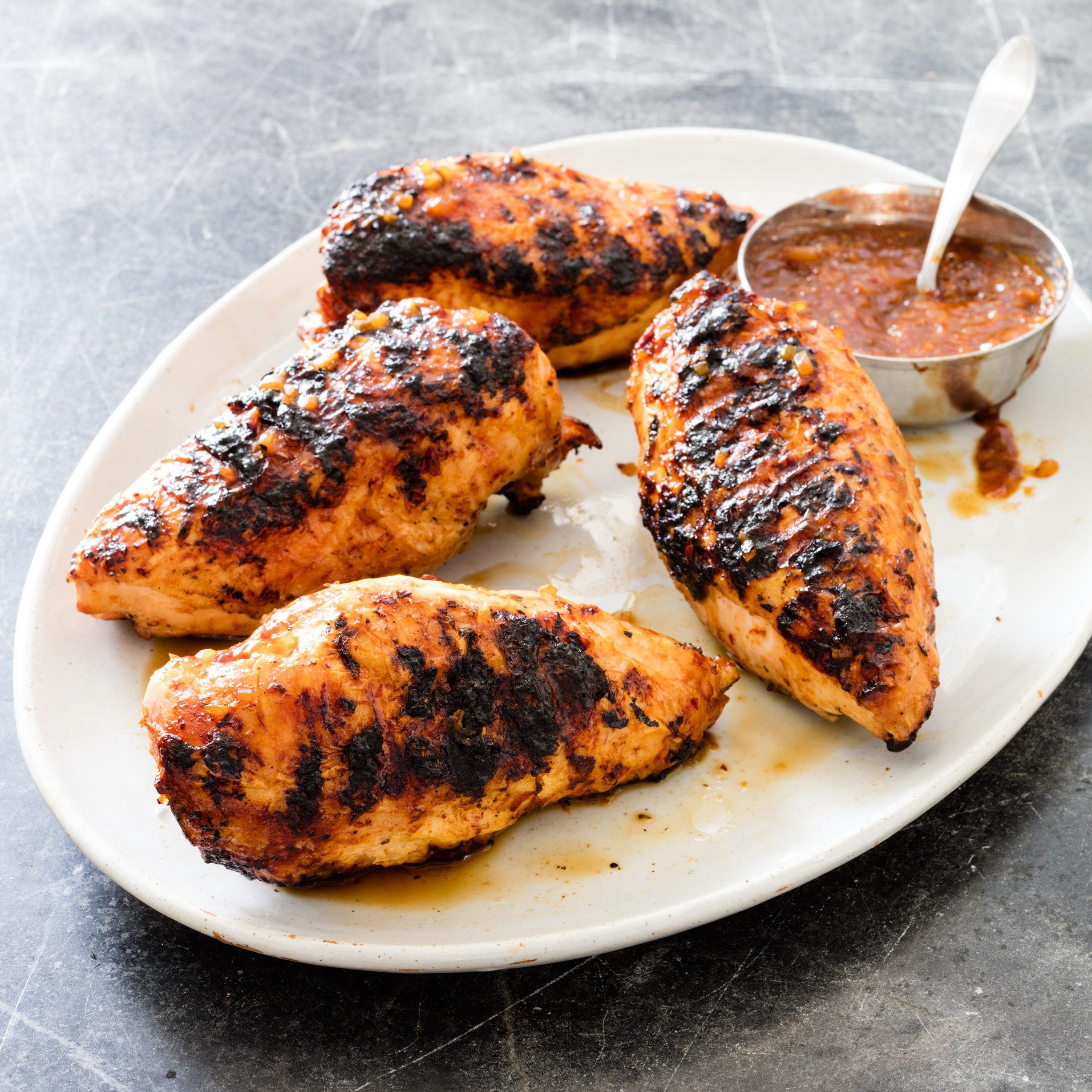 5 Simple Spring Meals On The Grill: The Key To Avoiding The Charred Skin And Dried-out Meat