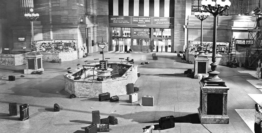 New York S Penn Station Set From Mgm S The Clock 1945 Go To Movies Settings Mgm