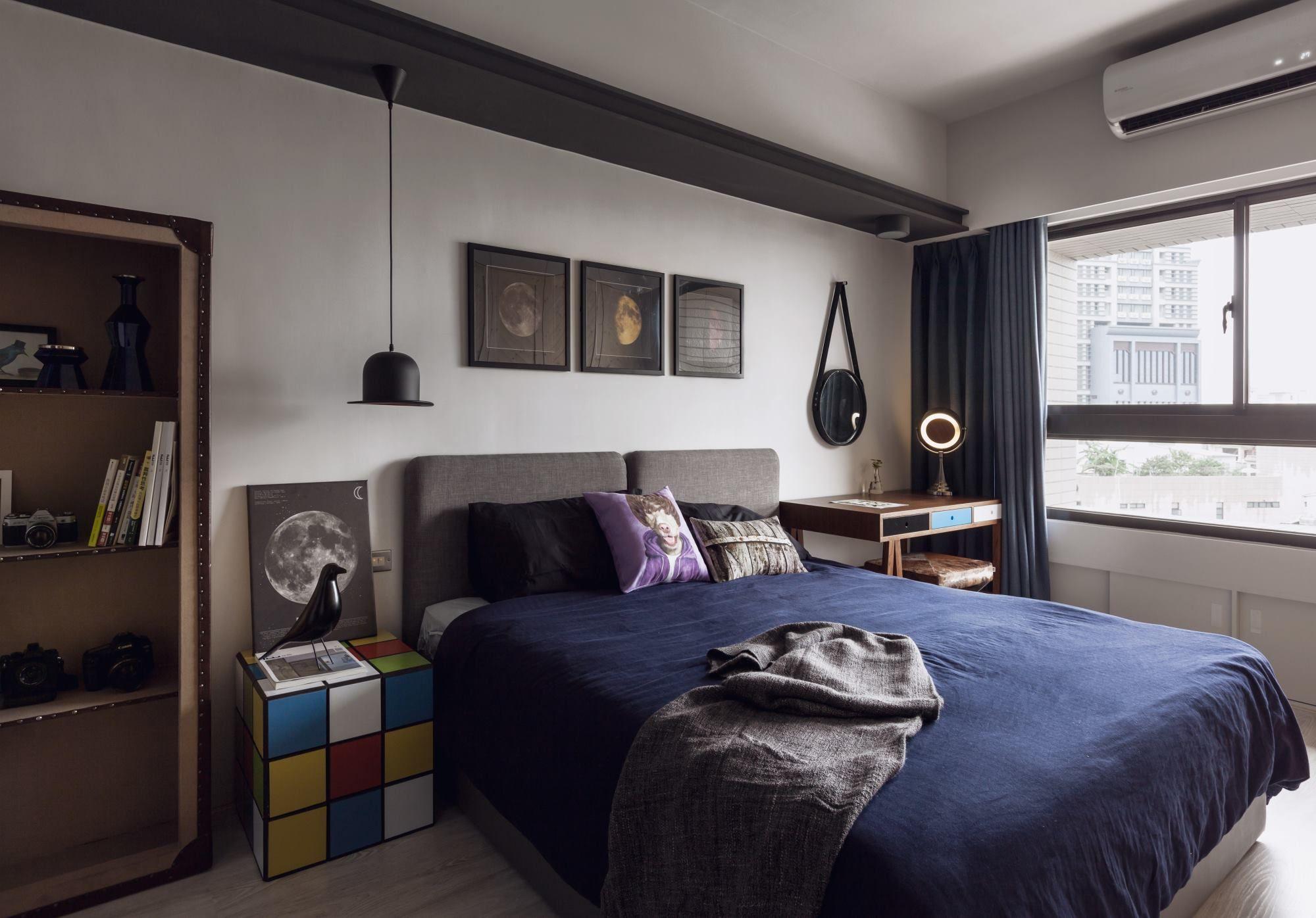 Best Loft Ideas Image By Megan Fraser Bachelor Pad Bedroom 400 x 300