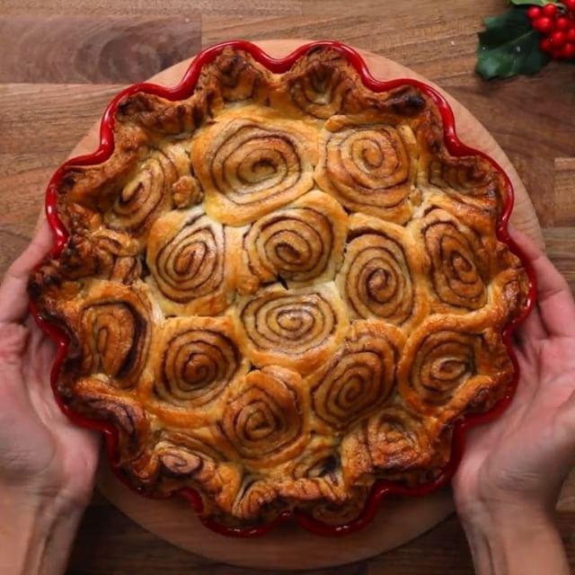 Cinnamon Swirl Apple Pie Twisted TwistedFood Twisted