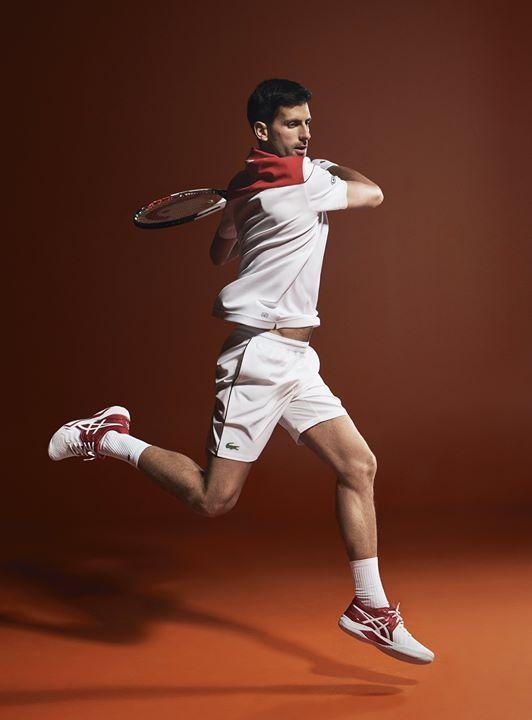c26613cc460 Briller sur les courts avec la collection Novak Djokovic Lacoste en ...