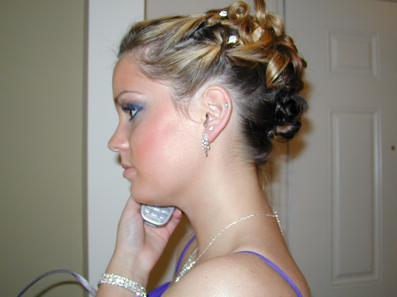 Prom Hairstyles For Medium Hair Medium Hairstyles Pinterest - Bun hairstyle games