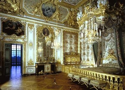 The Queen S Chamber Palace Of Versailles France Rooms Last Occupied By