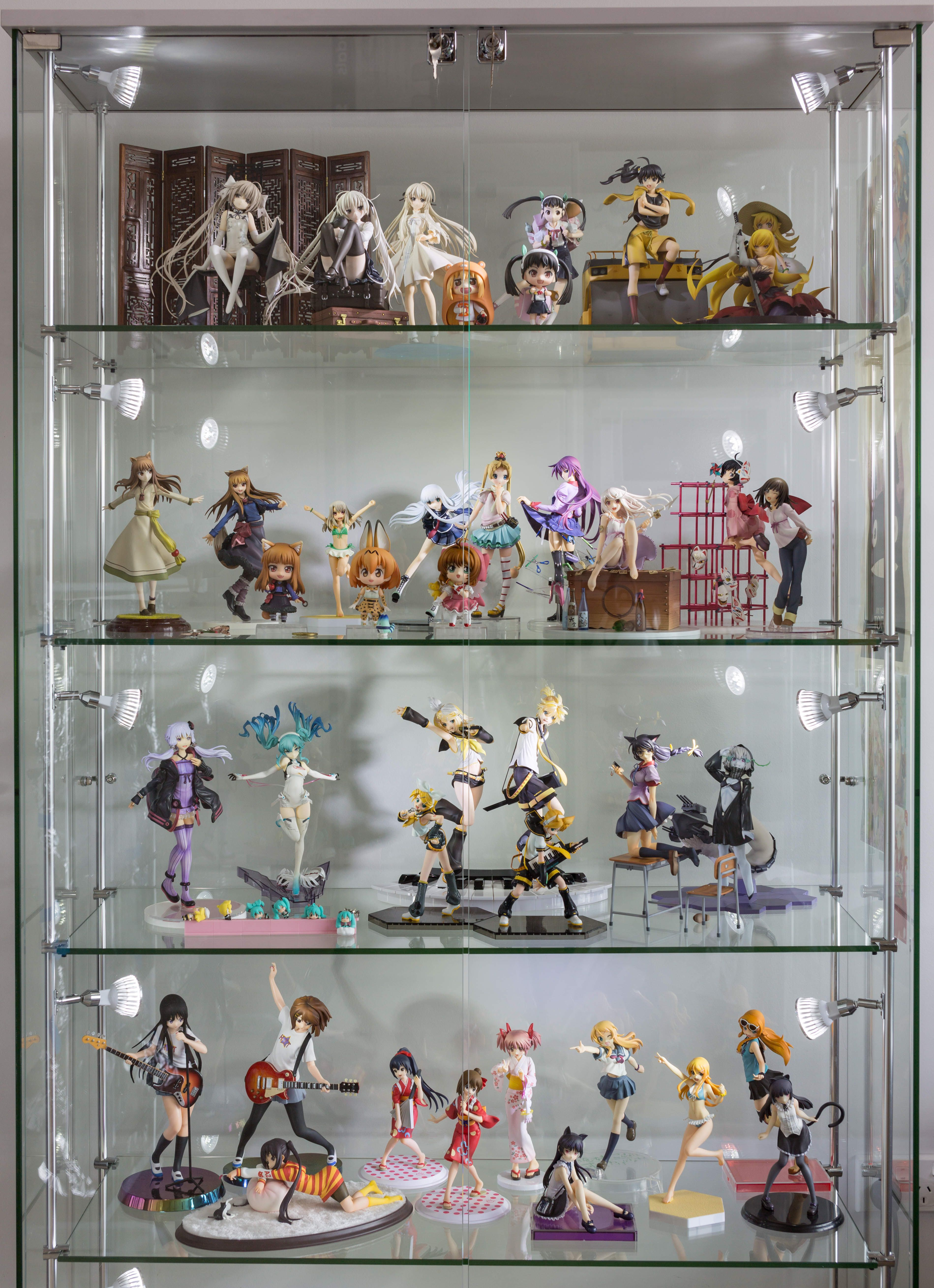 I finally bought a display case so i could unbox 25