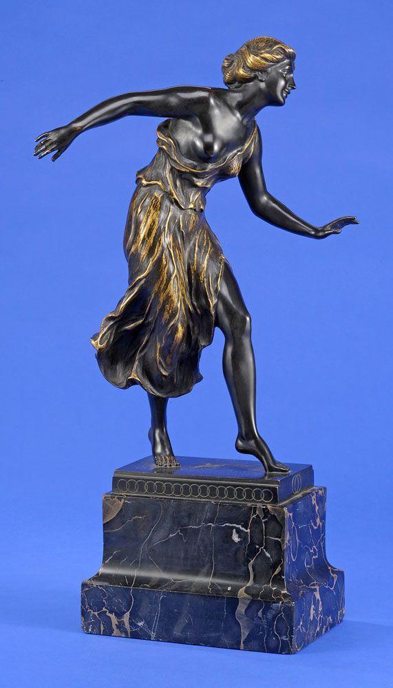 Morin, Georges 1874 Berlin - 1950 Berlin Tänzerin Isidora Duncan. Bronze. Signiert. Marmorsockel. — Skulpturen, Möbel, Kunsthandwerk
