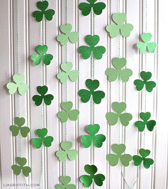 diy st patricks day party decor and photo props - St Patricks Day Decorations