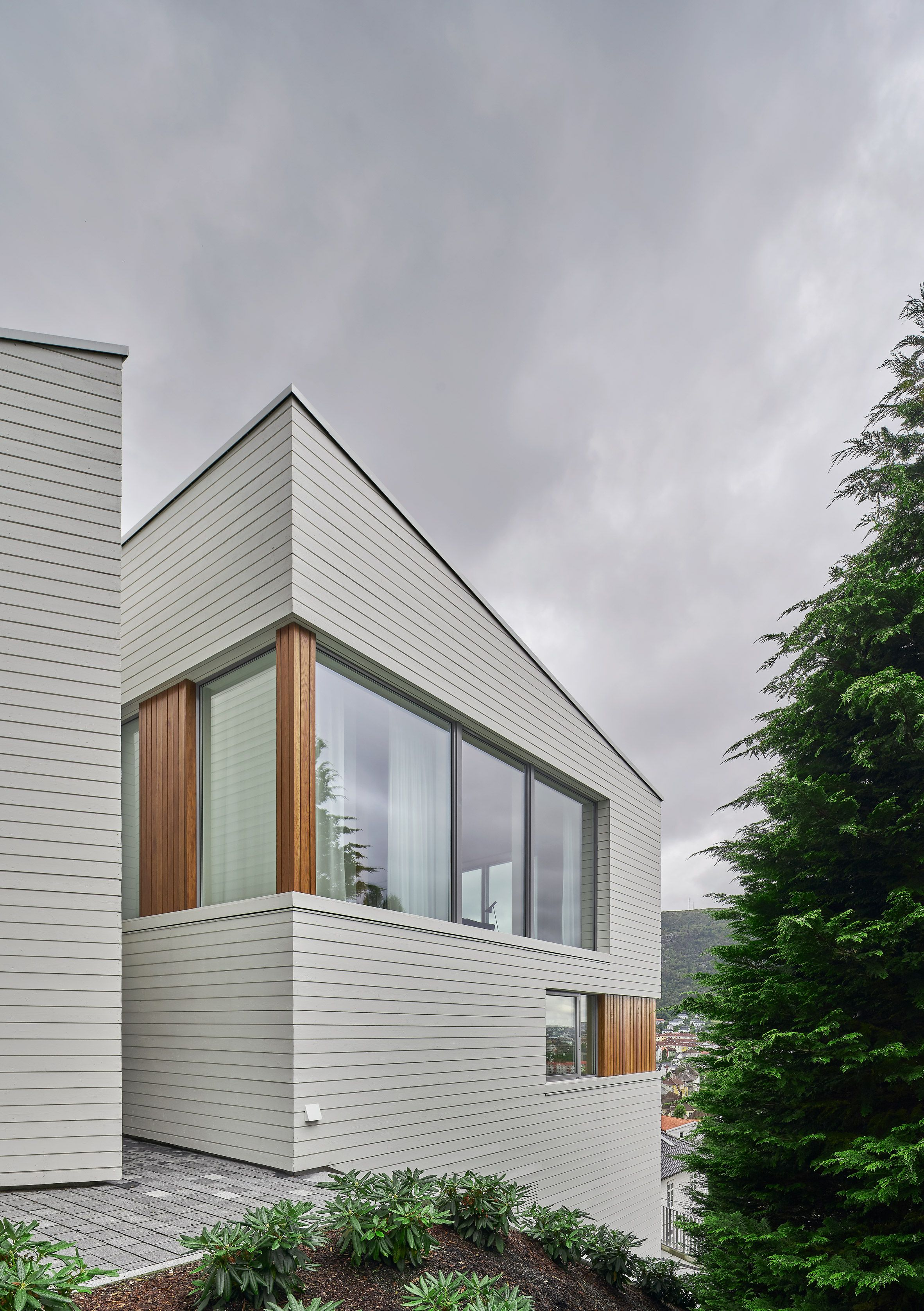Angular Outdoor Terraces And Feature Staircase Define House In Norway In 2020 House Modern Siding House Exterior