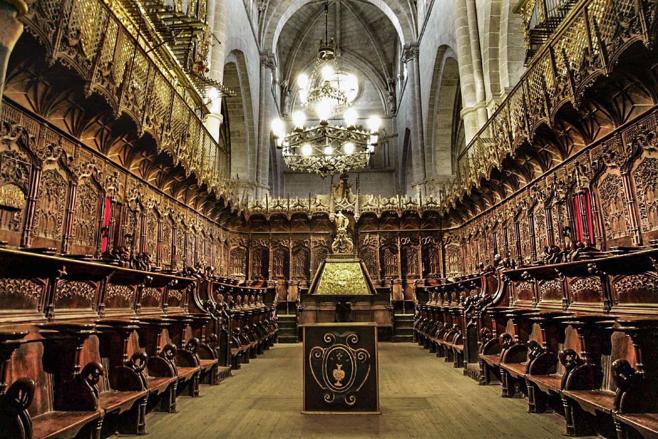 Sillería De Coro De Ciudad Rodrigo 1498 1505 6 Madera De Nogal Rodrigo Alemán Simultaneó Estas Obras Con Las Placentinas Y Arquitectura Ciudades Sitiales