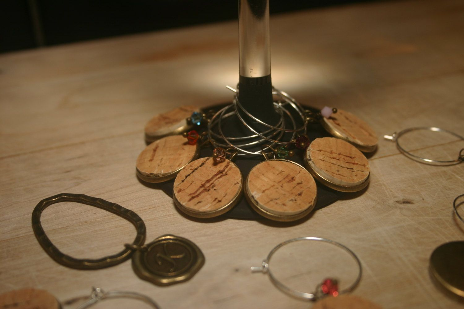 Cork & Swarovski crystal wine charms, such a great idea for recycling some of those wine corks we all collect