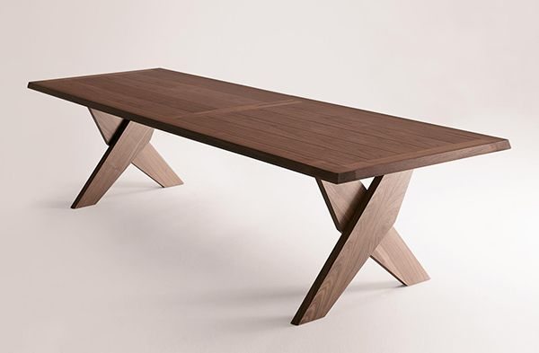 plato table by maxalto solid wood dining table captivatist - Designer Wood Dining Tables