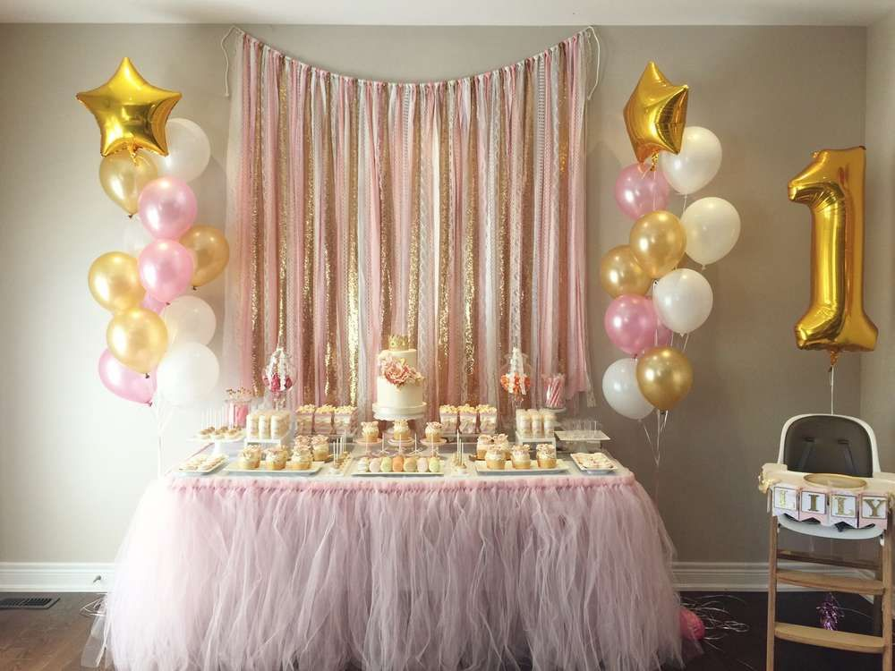 Pink and gold birthday party ideas gold birthday for Baby birthday decoration images