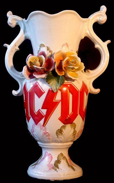 (via heavy metal vases by pierre blanc)