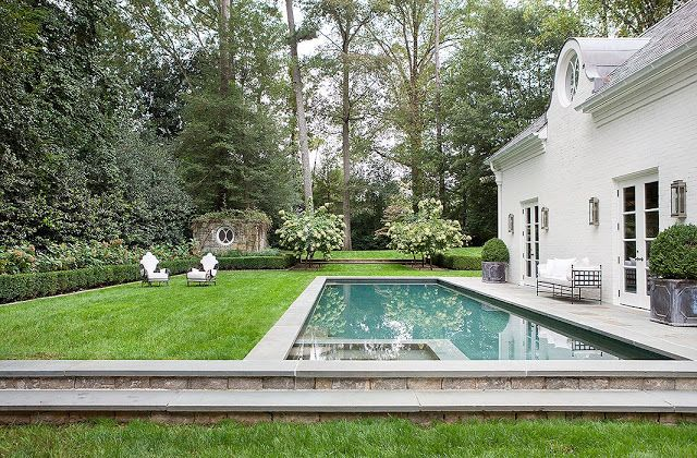 Suzanne Kasler\u0027s Atlanta Home Swimming pools, Outdoor spaces and