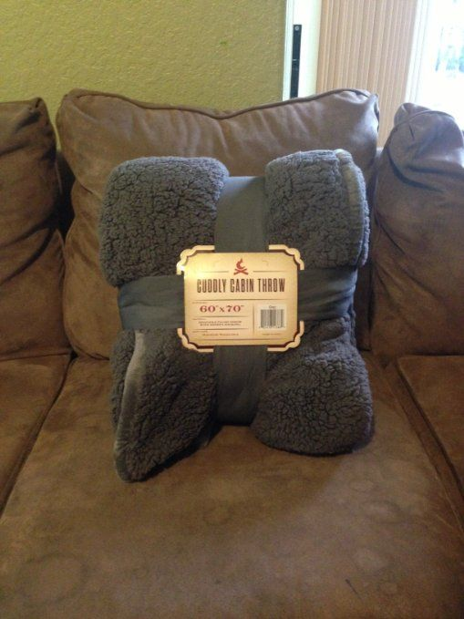Attirant Amazon.com   Cuddly Cabin Sherpa Throw Blanket, Reversible, Oversized 60in.  X