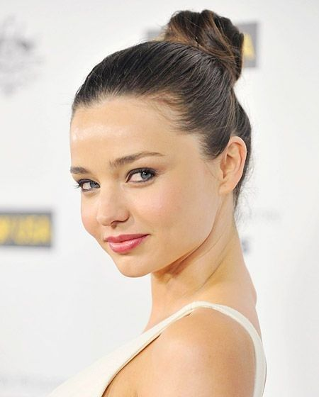 a958e8f6d Miranda Kerr shows us how to wear the top knot in a more subtle style