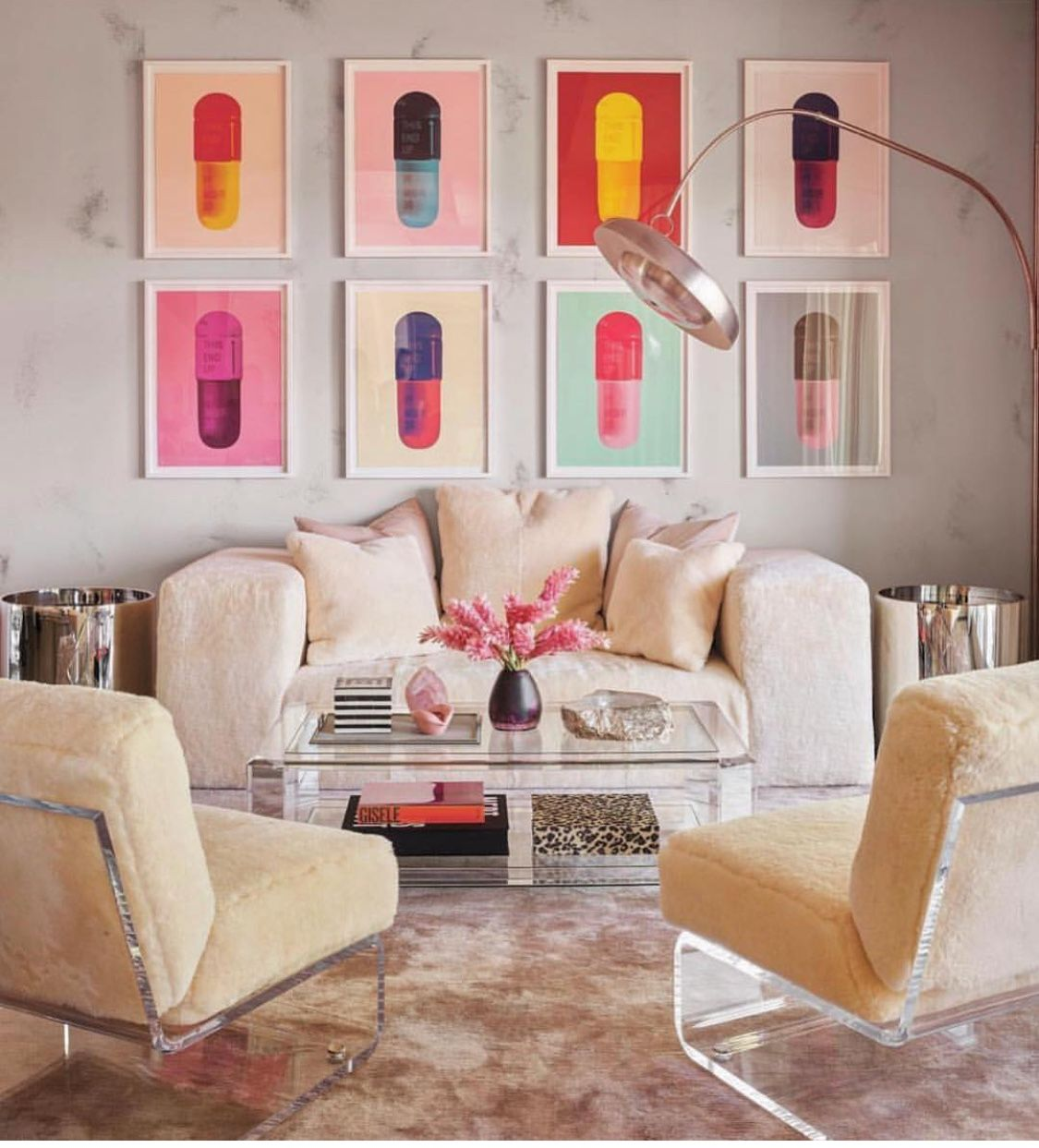 Kylie Jenner S Room And Damien Hirst Pill Art Jenner House Kylie Jenner Kylie Jenner House