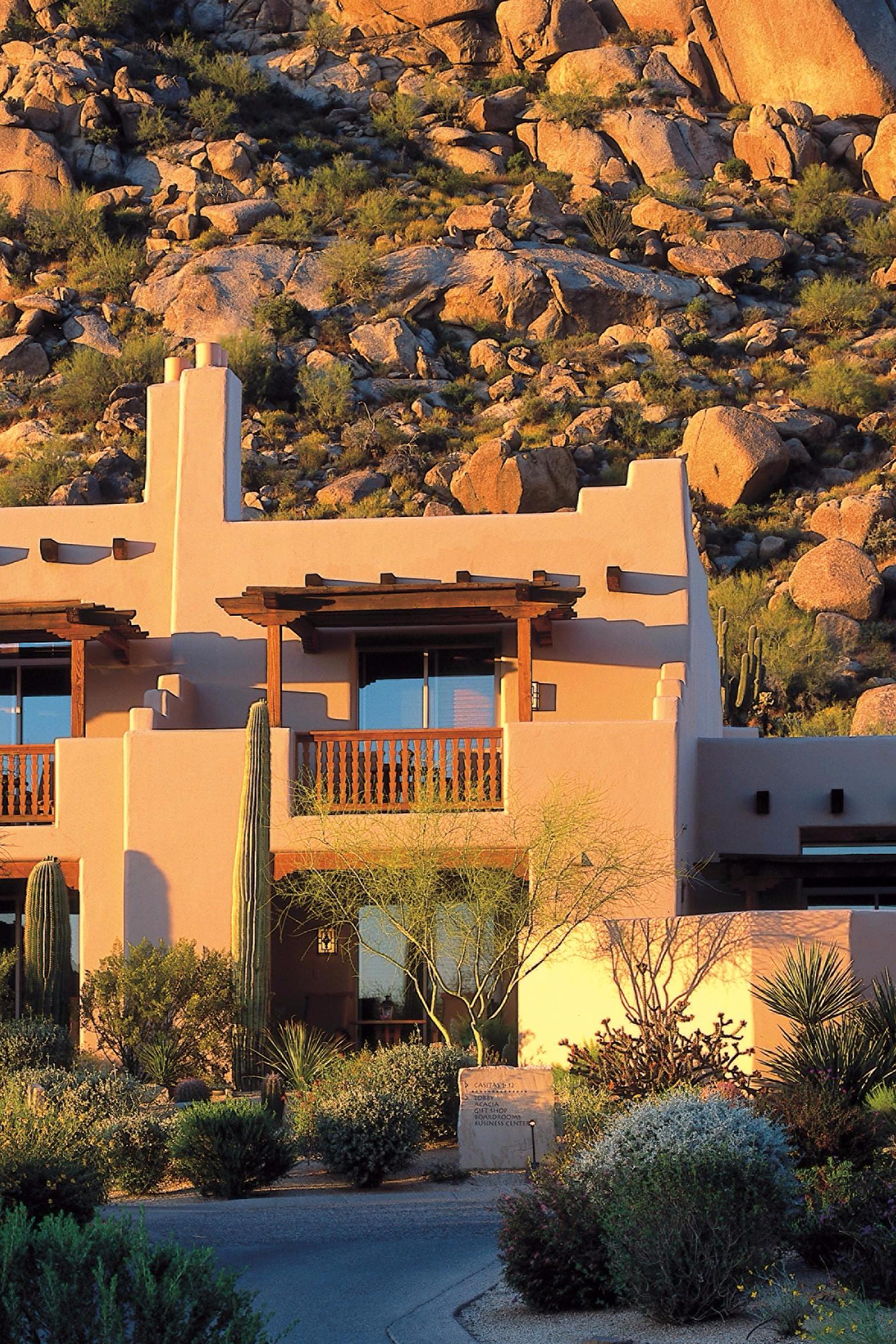 The Four Seasons Resort Scottsdale\'s adobe casitas mirror Arizona\'s ...