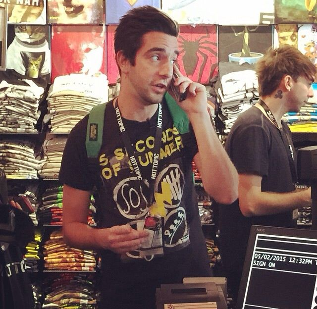 Jack From All Time Low Wearing 5sos Merch At Hot Topic 5215