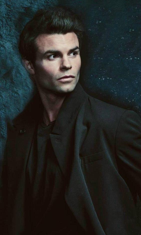 Elijah Mikaelson Vampire Diaries And The Originals Pinterest