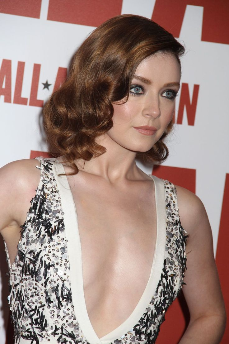 butt Cleavage Sarah Bolger naked photo 2017