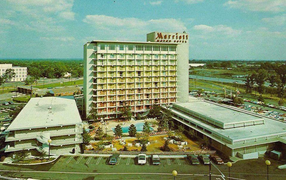 Saddle Brook NJ 1960's Marriott hotels, Marriott, Garden