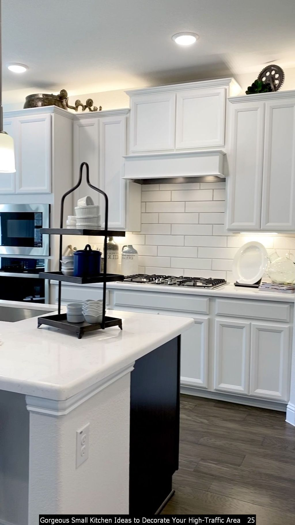 9 Gorgeous Small Kitchen Ideas to Decorate Your High Traffic Area ...