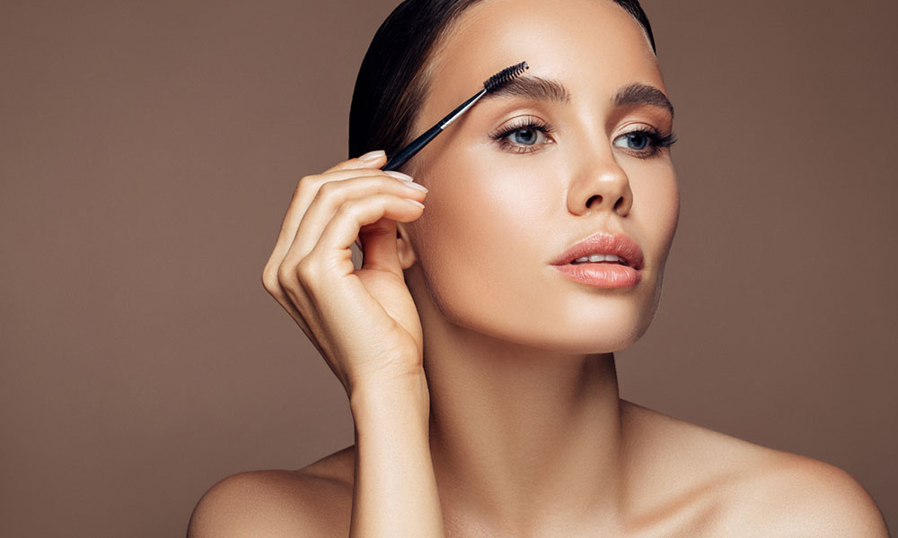 How To Shape Eyebrows At Home In 6 Steps - Microblading ...