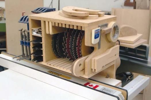 Cool Woodworkeru2019s Solutions To Router Bit Storage - Popular Woodworking Magazine